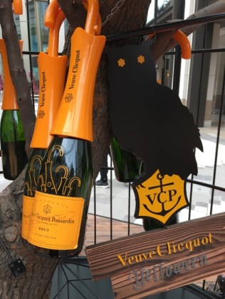 china-marketing-blog-yelloween-veuve-clicquot-1