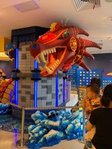 china-marketing-blog-lego-flagship-shanghai-dragon
