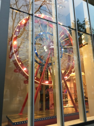 china-marketing-blog-christian-louboutin-christmas-ferris-wheel