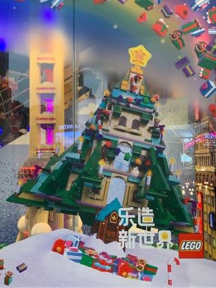 china-marketing-blog-christmas-lego-flagship-shanghai-9